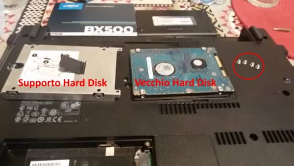 Montaggio SSD hard disk smontato
